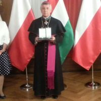 Krzyż Zasługi Orderu Węgierskiego dla księdza arcybiskupa Andrzeja Dzięgi